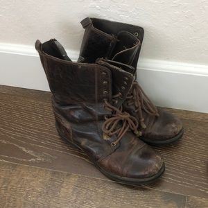 Steve Madden Women's size 8 us combat Boots brown!